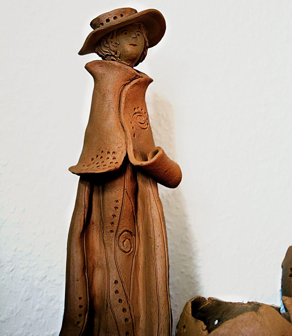 Keramikfigur vor dem Schrühbrand
