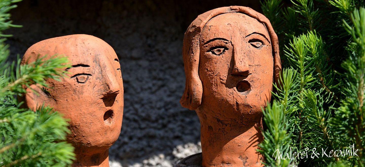 Gesichter aus Keramik