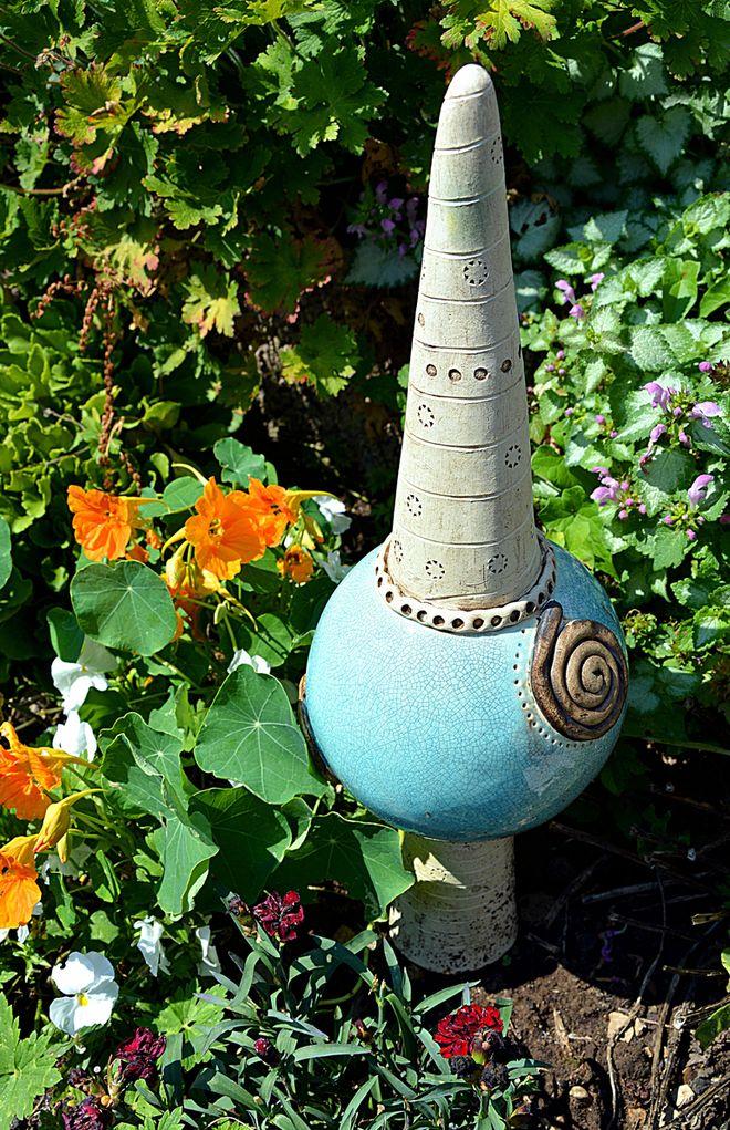 Mini-Dekostele aus Keramik.